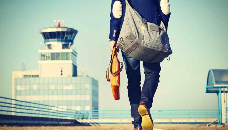 why travel solo, solo travel tips