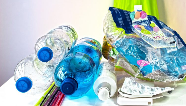 responsible tourism, towno, best ways to avoid plastic while traveling